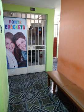 Alquilo Oficina c/baño - SJL -Túsilagos 458- para consultorio dental, médico, etc.