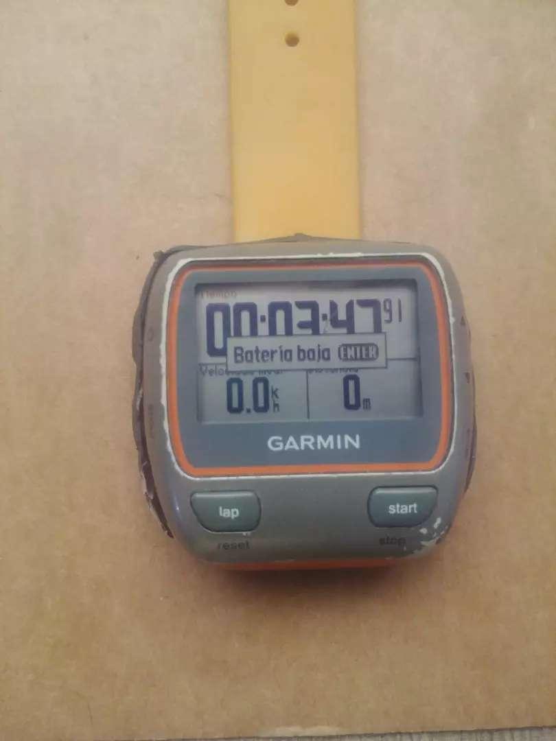 Reloj Garmin 310XT con detalle 0