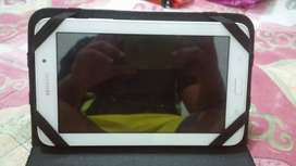 Se vende tablet samsung galaxy tab e en buen estado con cargador y forro