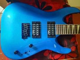 Guitarra eléctrica Jackson JS22 Dinky Azúl Metálico