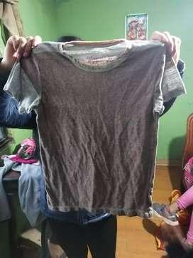 Camiseta nueva de niño $3