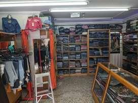 Se vende o se permuta almacen de ropa