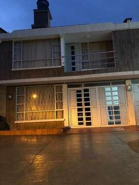 Venta de casa conjunto portada del sol PILCUAN