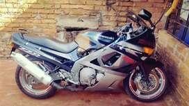 permuto por moto mismo valor 300cc kawasaki zzr 600 1992