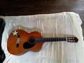 Se vende guitarra yamaha