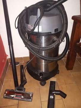 Aspiradora Karcher de polvo y agua