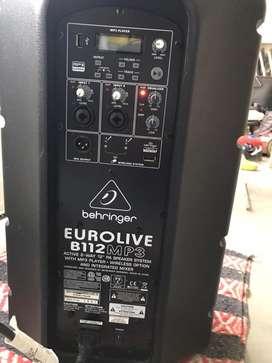 Vendo parlante potenciado Behringer Eurolive B112w