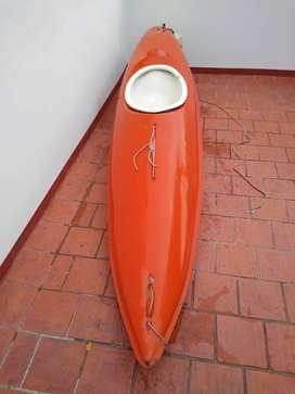 Kayak cerrado para una persona