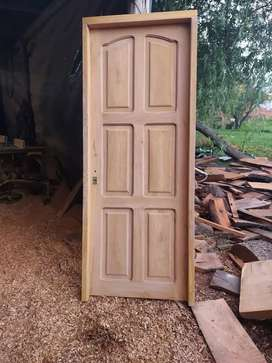 Vendo Puertas Maciza de Algarrobo Nuevas