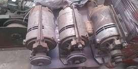 Tres motores eléctricos