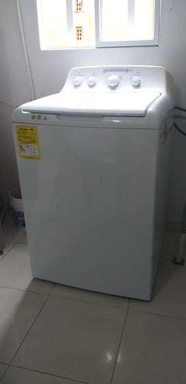Se vende lavadora centrales para repuestos o arreglarla
