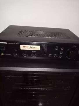 Se vende amplificador  pioneer A  - 105