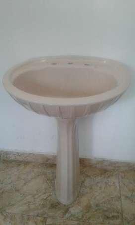 Bacha de Baño con pedestal.