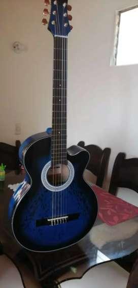 Se vende guitarra acústica