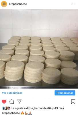 Arepas Doble Queso