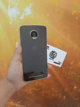 Motorola Z2 Play usado