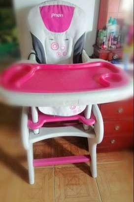 Comedor escritorio multifuncional para niña