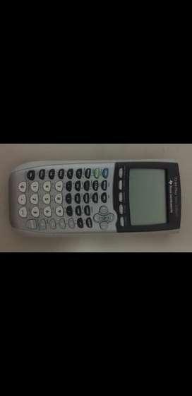 Calculadora graficadora Texas instruments TI-84 Plus Silver Editon.
