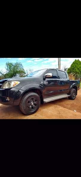Vendo hermosa Toyota Hilux SRV 4X2!!!