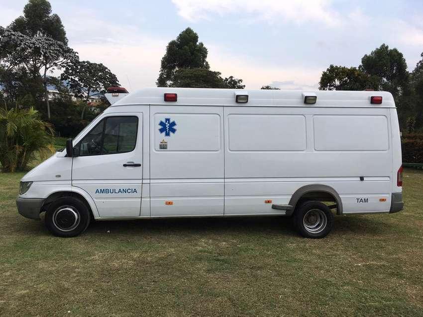 Ambulancia mercedes sprinter 413 0
