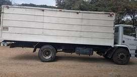 Se vende camion 1720 mercedes benz      , Unico dueño , color blanco , con matriculas y permisos del año , sin gravamen