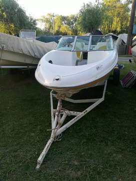 Vendo lancha (solo casco) Inside 480 2012 con trailer!