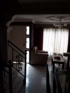 Venta casa de 3 pisos en Real De Minas (precio negociable)