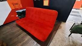 Elegante sofacama tipo futon