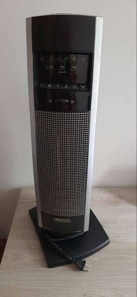 Calefactor y ventilador de cerámica tipo minitorre BIONAIRE modelo BCH9210 1500 w