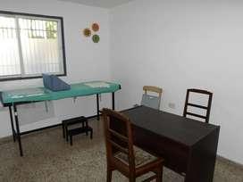 Alquilo consultorio, zona plaza departamental