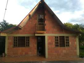 Casa cabaña 2 pisos  + lote 1  hectárea