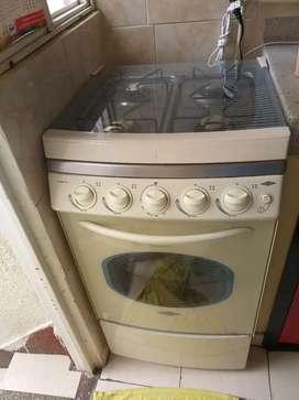 Se vende estufa cuatro puestos haceb