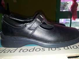 Zapato de nena para la escuela