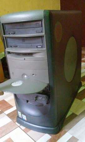 torre pc dell windows 7 32 bit dd80gb ram 2gb doble unidad, pentium iv