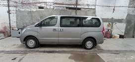 Vans Hyundai de 11 pasajeros
