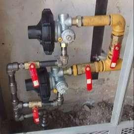Instalaciones de gas y sanitarios , plomero y gasista matriculado