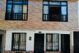 Se vende casa de 2 pisos independientes y servicios independientes