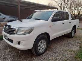 Toyota hilux 2015 Dx pack titular impecable