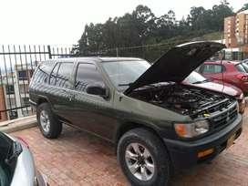 Nissan pathfinder  4x4