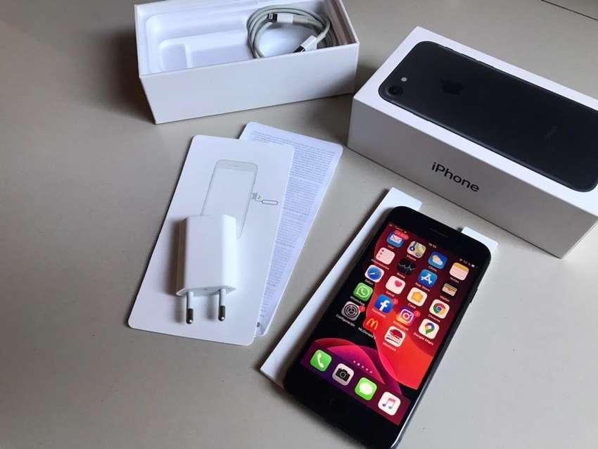 iPhone 7 32gb 0