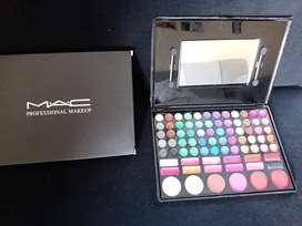 Hermosa Paleta de maquillaje MAC 78 tonos