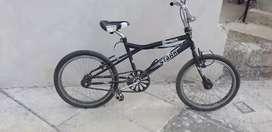 VENDO bicicleta de PIRUETAS