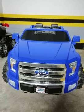 Vendo camioneta Ford F150 Power wheels-bateria recargable