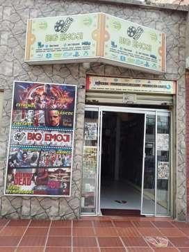 Se vende Local de Películas y Accesorios Tecnológicos