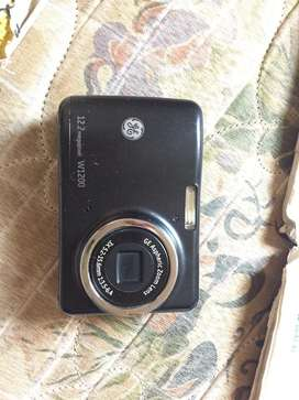 Camara digital Ge W1200