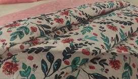 Edredon doble y semi juego de sabana para cama doble
