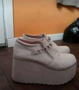 Zapatillas/ zapatos blancos