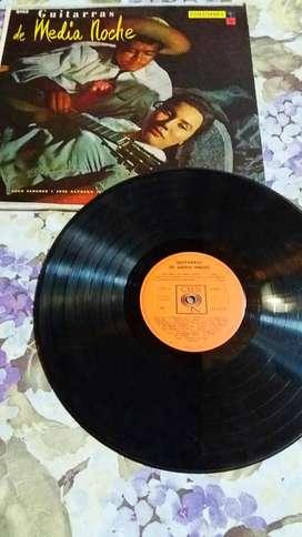 DISCO VINILO LP 33 1/2 GUITARRAS DE MEDIA NOCHE CUCO SÁNCHEZ JOSÉ ALFREDO JIMÉNEZ HERMANAS PADILLA EMILIO GÁLVEZ CBS 14