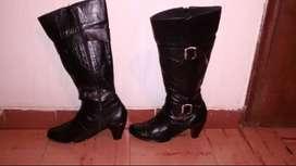 Vendo botas en CUERO elegantes mujer