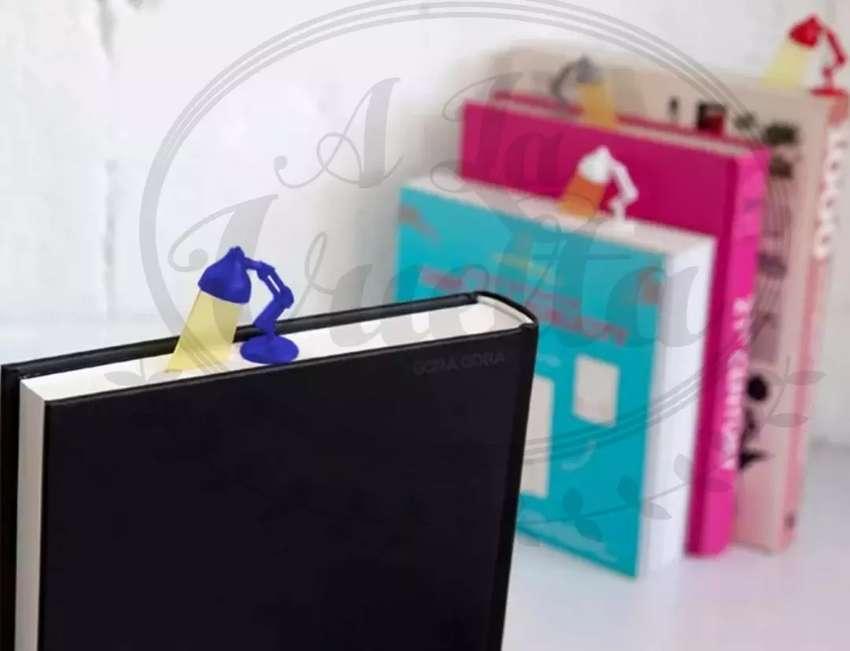 Señalador Página Velador Marcador Libro y Revista tipo Lampara Pixar 0
